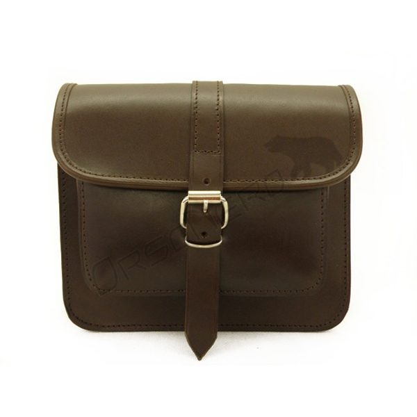 brązowa torba listonoszka